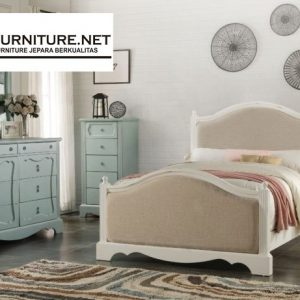 Set Tempat Tidur Minimalis Baru