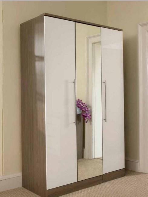 Model Terbaru Lemari Pakaian 3 Pintu