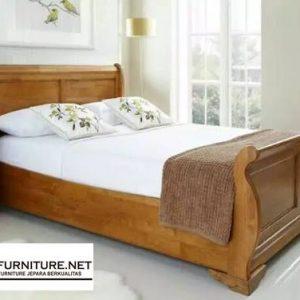 Tempat Tidur Bagong Kayu Jati